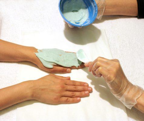 Характеристики на лечение на удари по ставите на пръстите..