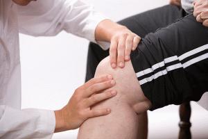 Остра остра болка в коляното: причини за болка в ставата | Болки в ставите